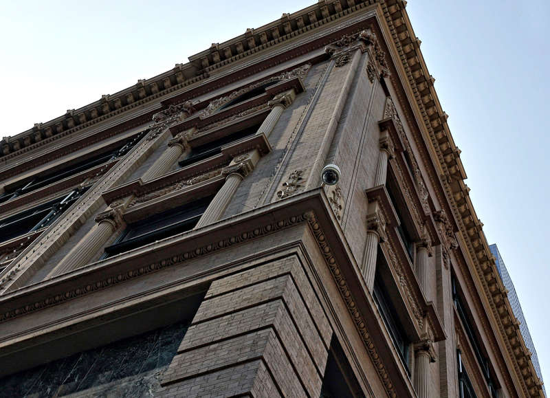 Close-up of corner at 7th and Nicollet