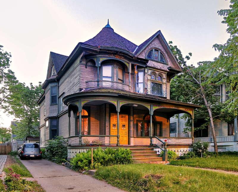 3120 Third Ave So:  Edmund G. & Clara B. Babbidge House